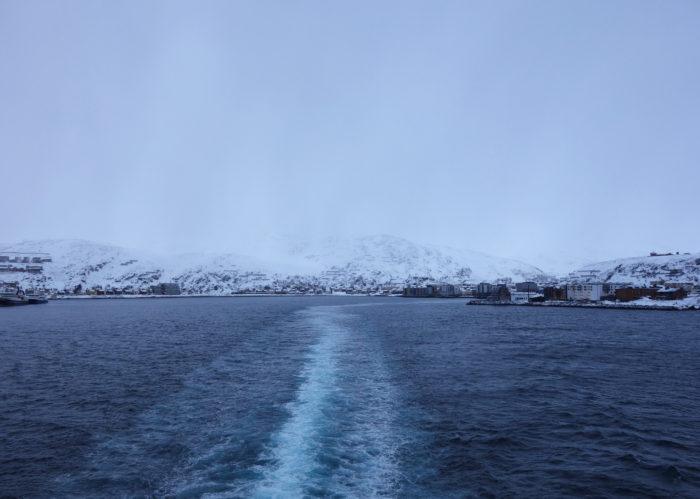 ハンメルフェスト hurtigruten  フッティルーテン、個人旅行で北極圏の旅 ノルウェー